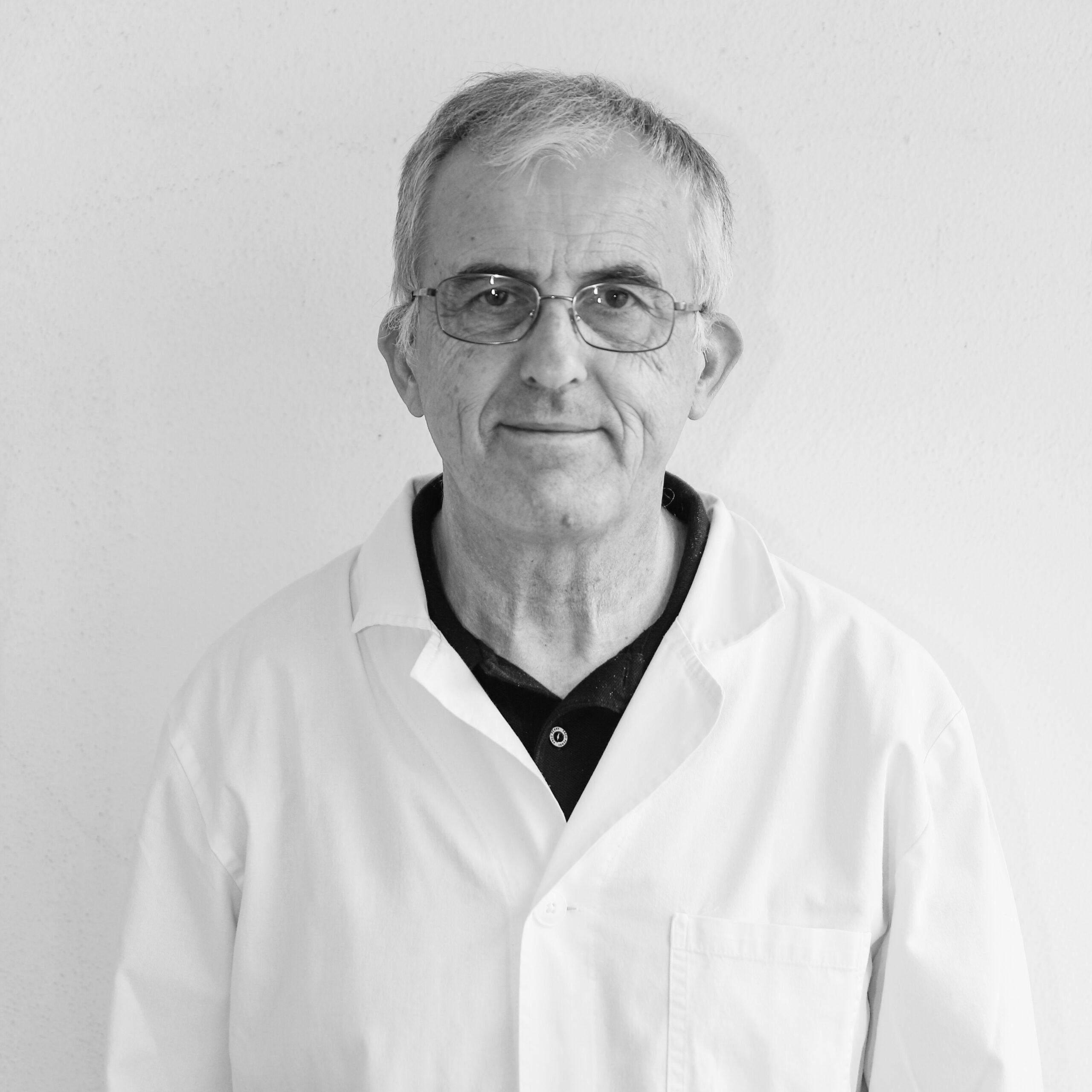 Dr. F. Gassino