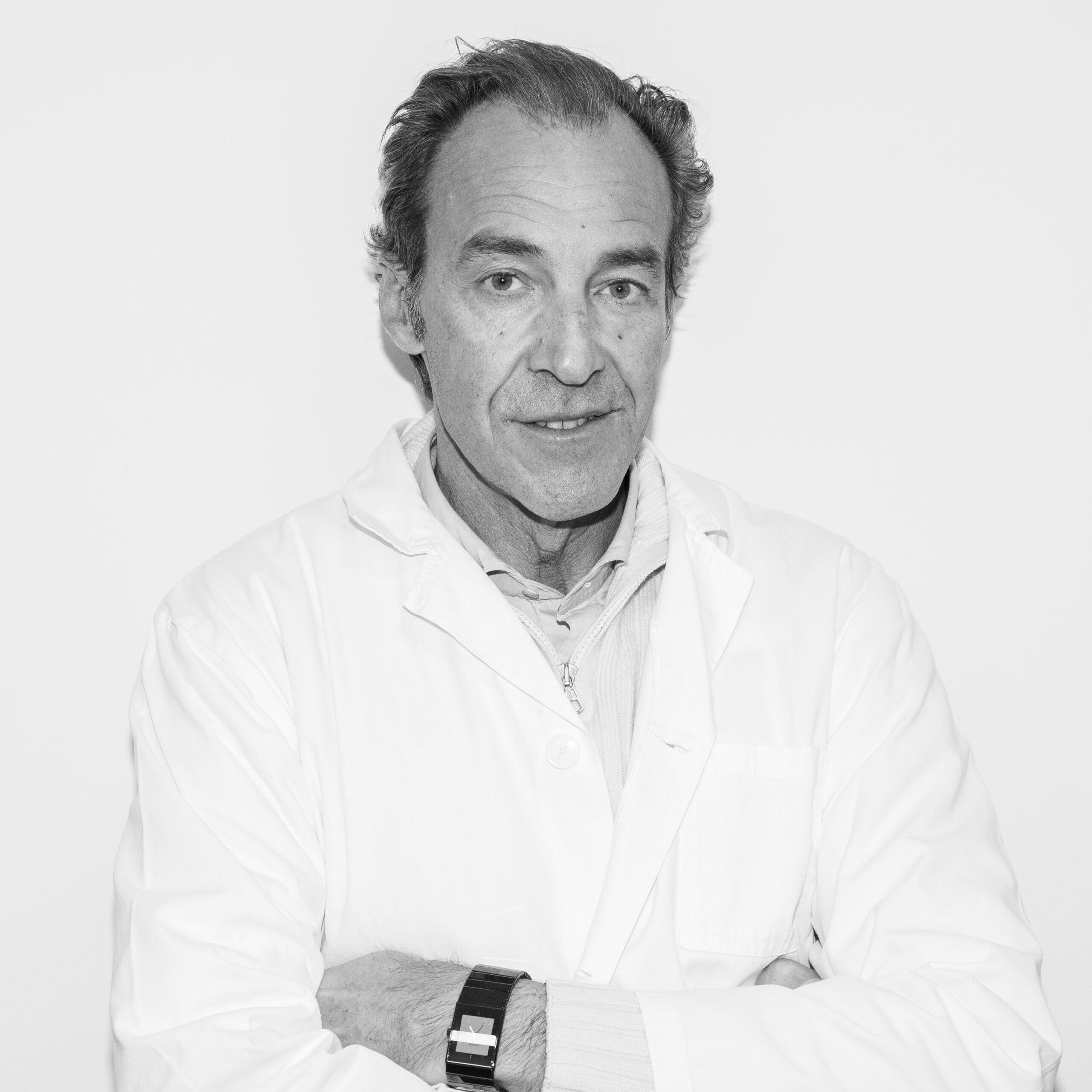 Dr. S. Schiappacasse