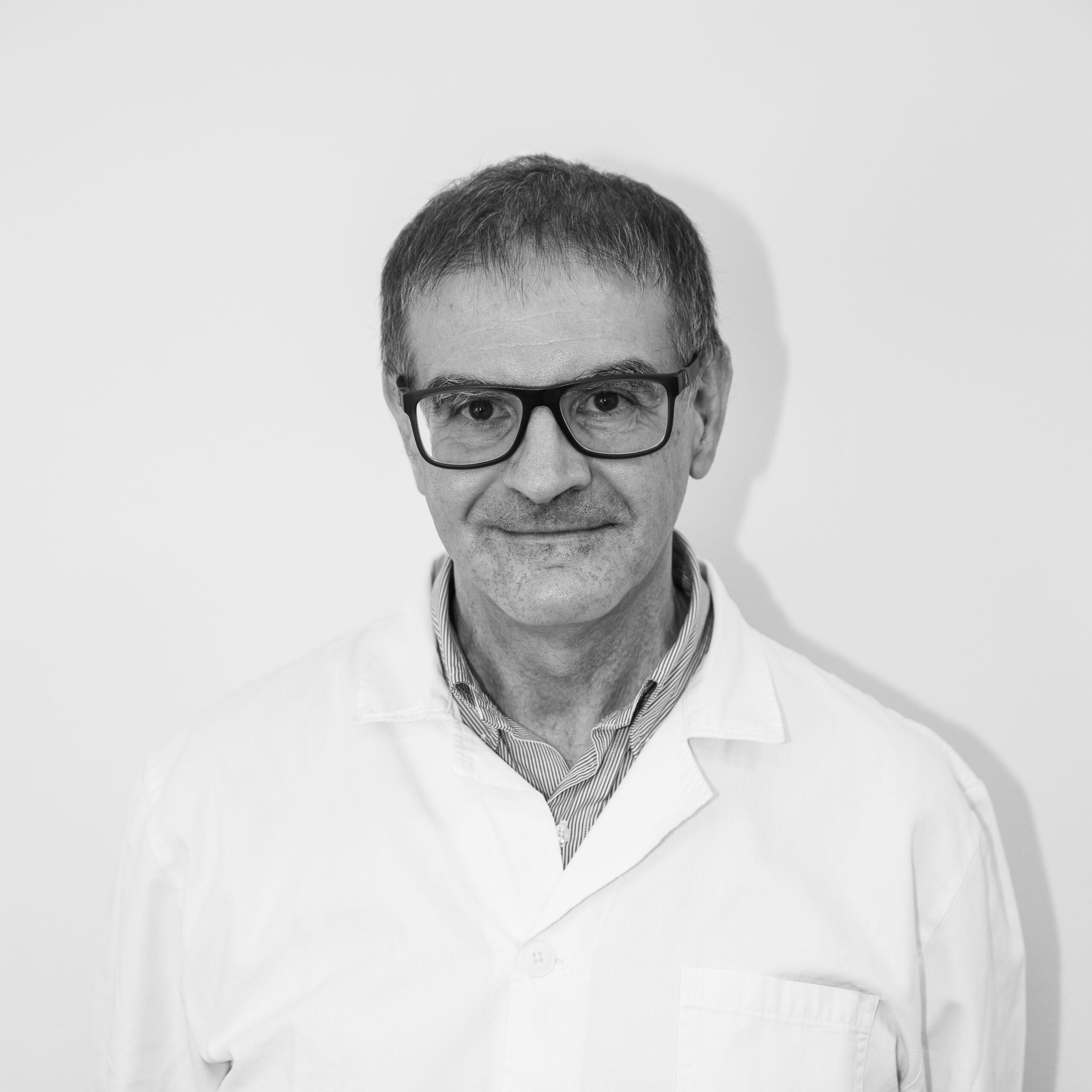 Dr. C. Mandia